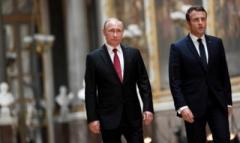 """""""Великий и непревзойденный"""" Путин стоял перед Макроном как престарелый двоечник перед молодым учителем и утирался - Сотник"""