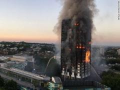 В Лондоне полностью сгорел 27-этажный жилой дом