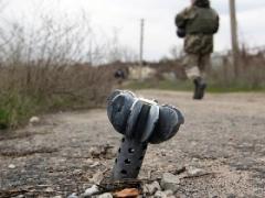 Боевики обстреляли Марьинку и Красногоровку: есть разрушения