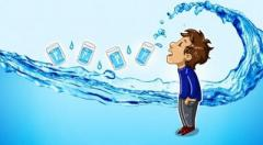 Как приучить себя пить больше воды? Есть немало способов!