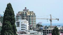 Массовое выселение: кого и почему лишают квартир в Крыму