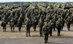 Россия может готовиться к наступлению на Донбассе: Муженко рассказал о настораживающей активности российских войск непосредственно у украинской границы