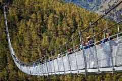 В Швейцарии открыли самый длинный подвесной пешеходный мост