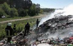 В Донецкой области произошел пожар на свалке у Соледара