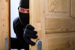 Преступник забрался в дом, навел порядок и ушел, ничего не взяв