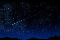 На вихідних українці зможуть спостерігати метеоритний дощ і супермісяць
