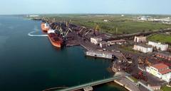В морских портах Украины сокращаются объемы переработки грузов