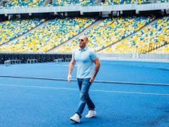 "Джейсон Стэтхэм снялся в рекламе на НСК ""Олимпийский"""