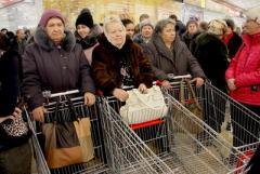 После увеличения пенсий могут вырасти цены, а о субсидиях многим придется забыть