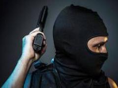 В Одесской области неизвестные вынесли из магазина два сейфа с ювелирными изделиями
