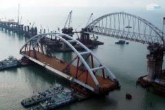 Мост в Крым могут подорвать? Стало известно о неожиданном распоряжении Путина по скандальной стройке