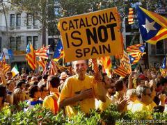 Парламент Каталонии принял решение по отделению от Испании