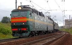 Суицид или трагическая гибель? В Донецкой области пригородный поезд насмерть сбил мужчину: полиция пытается установить его личность