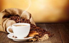 Чому варто пити каву лише з цукром?
