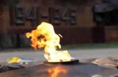 Дерзкая атака: Вечный огонь в Киеве превратили в могилу