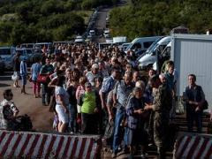 Миллионы человек прошли сквозь линию разграничения на Донбассе