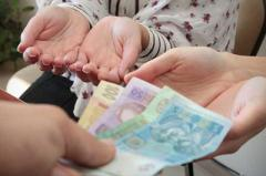 Переселенцам с Крыма и Донбасса увеличили размер соцвыплат