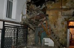В Одессе на пенсионерку обрушилась стена жилого дома