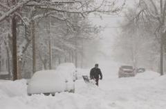 В Украине из-за снегопада обесточены почти 100 населенных пунктов