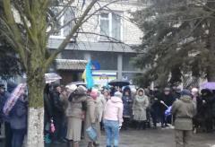 В Красногоровке восстали против решения областной власти