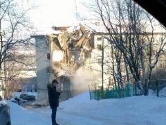 В Мурманске произошел взрыв в жилом доме. Есть погибшие и раненые. ВИДЕО