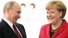 Желаю вам успехов: Меркель поздравила Путина с переизбранием