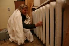 Без отопления! В Луганске многоэтажки превратились в ледники