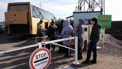 Транспортники области начали бесплатные подвоз пассажиров от КПВВ до автостанций