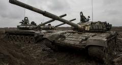 Гиркин обнародовал кадры, как Россия стягивает огромное количество танков к границе Украины. ВИДЕО