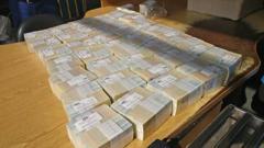 Киевлянин попытался отправить деньги в Гонконг почтой
