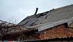 Оккупированное Зайцево попало под обстрел: повреждены 3 дома