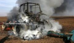 Под Докучаевском трактор наехал на мину