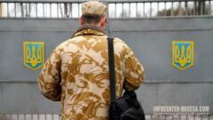 Полиция и военкомы ловят на улице призывников
