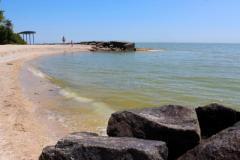 Курорт «ДНР» в Седово — пустые  пляжи, грязная вода