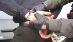 На Луганщине задержали пограничника, требовавшего на КПВВ деньги с пенсионеров