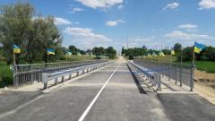 На Луганщине военные восстановили разбитый боевиками мост