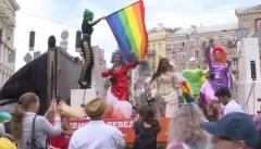 Противники ЛГБТ-маршей провели протест под ВР