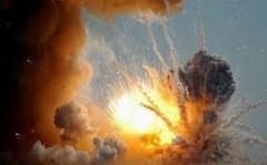 """Мощный взрыв в """"ДНР"""" уничтожил крупный склад боеприпасов оккупантов: у боевиков сильные ожоги и тяжелые травмы"""