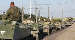 Что происходит? В Крыму заметили передвижение огромной колонны военной техники (ВИДЕО)