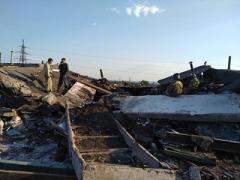 Взрыв в Горловке: под завалами оказались несколько автомобилей