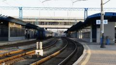 Омелян рассказал, куда будут ходить поезда после закрытия сообщения с РФ