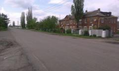 Россияне поделили надвое пограничными столбами поселок на кордоне