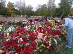 Пропагандисты «ДНР» не могут определить, сколько людей было на похоронах Захарченко