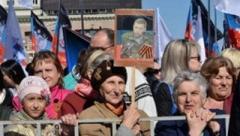В Старобешево ставят «поминальные столики» - поминать главаря «ДНР» Захарченко