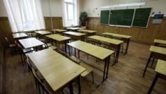 Громкое ЧП в Киеве: во время урока восьмиклассник изрезал ножницами учительницу из-за плохой оценки