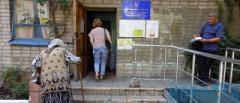 «Живые» и «электронные»: В ПФУ Мариуполя смешались очереди пенсионеров