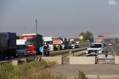 В Полтаве владельцы «евроблях» перекрыли трассу Киев-Харьков