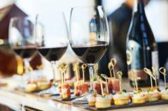Диетолог подсказал, чем лучше закусывать алкоголь