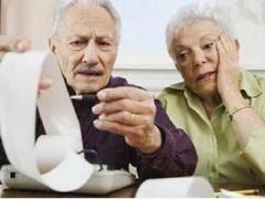 Кому в Украине пенсию пересчитают автоматически, а кому – по заявлению