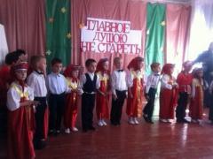 """Несчастные дети: в сети показали печальные фото """"праздника"""" в Крыму"""